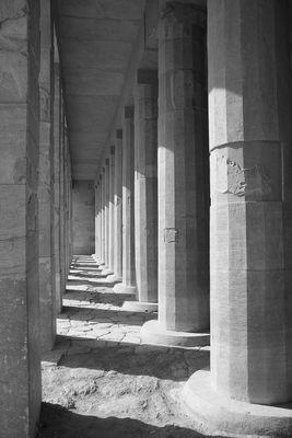 Säulengang im Tempel der Hatschepsut
