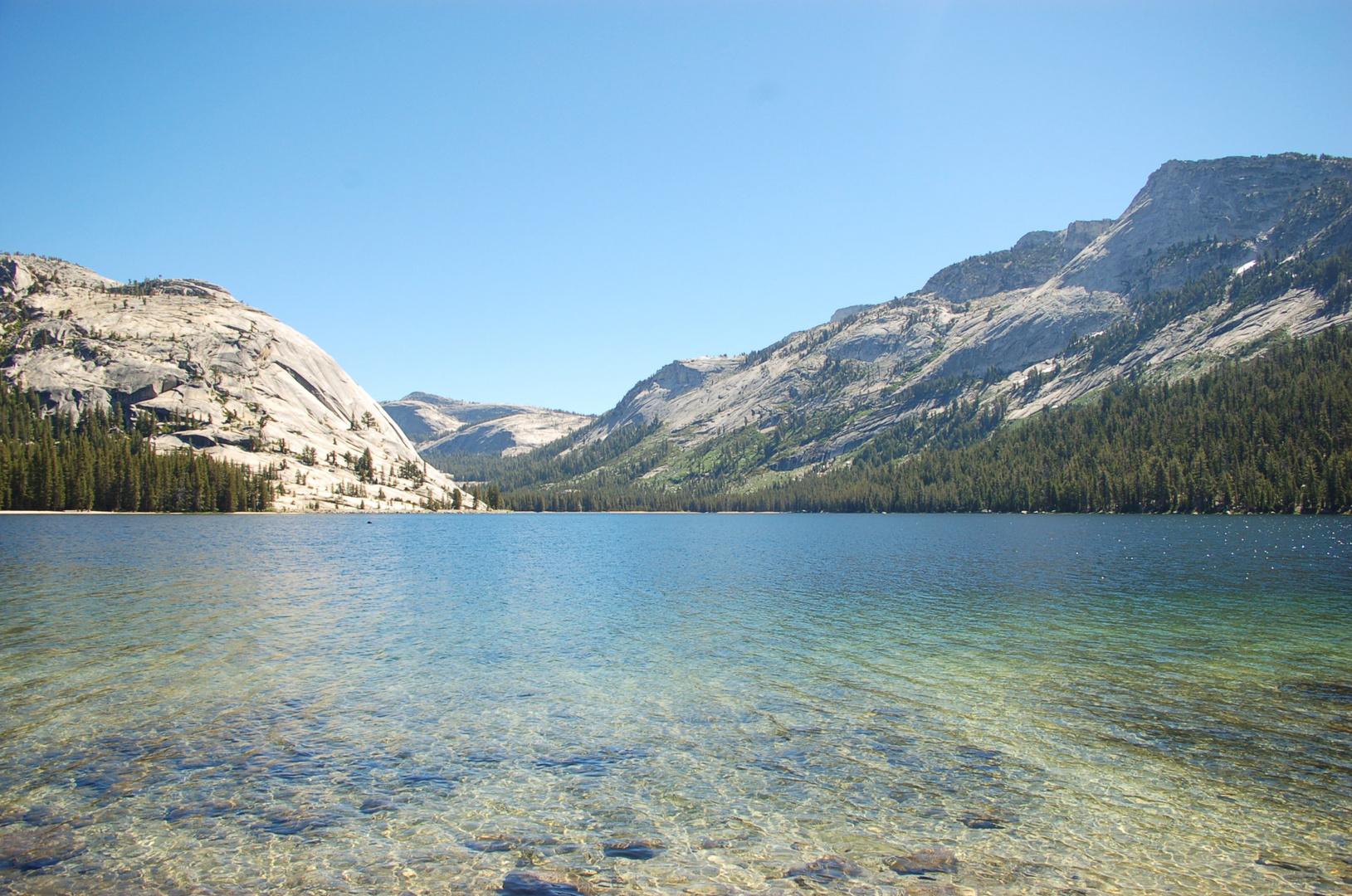 sagenhaft klarer bergsee