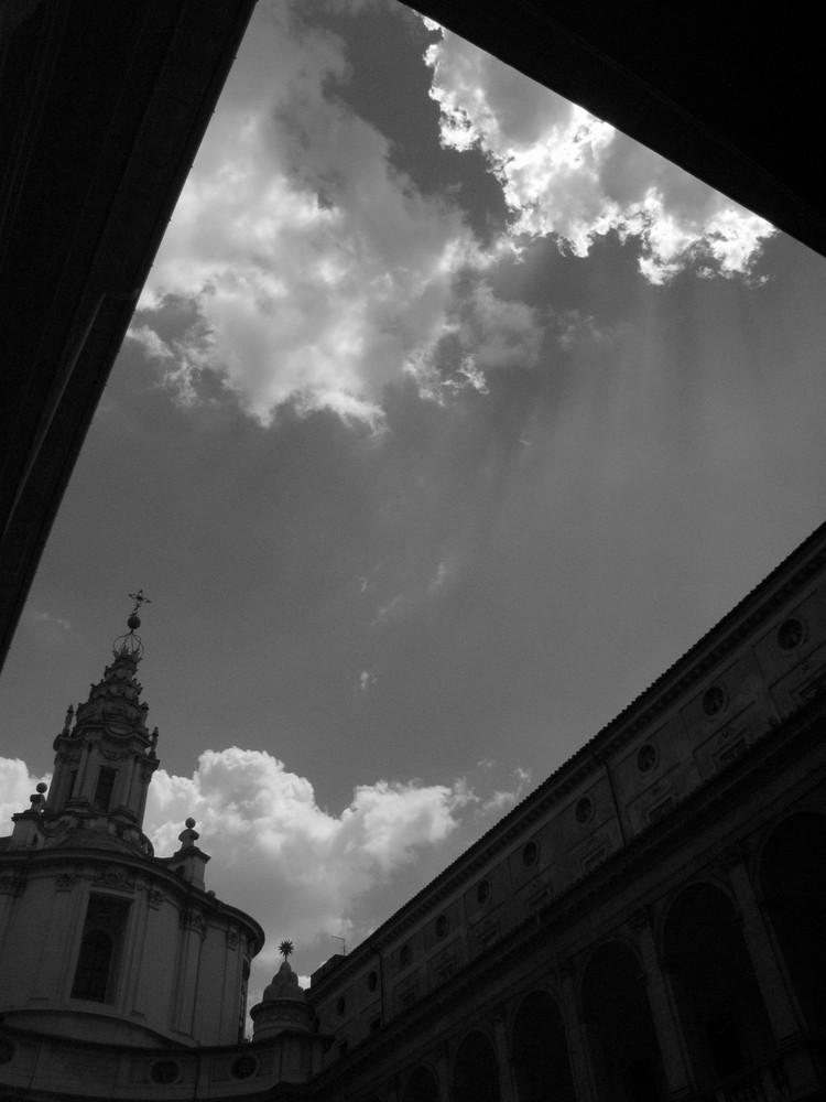 Sagome Barocche Contro Il Cielo