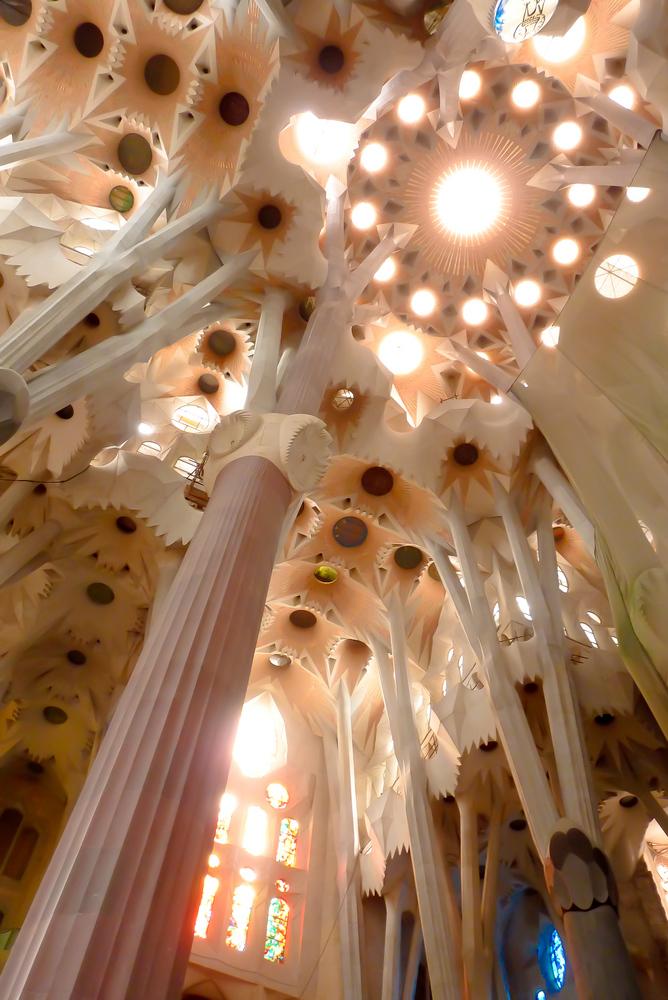 Sagrada Familia, Dentelle de lumière