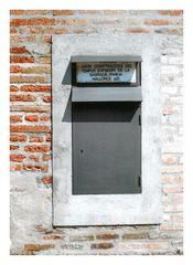 Sagrada Letterbox