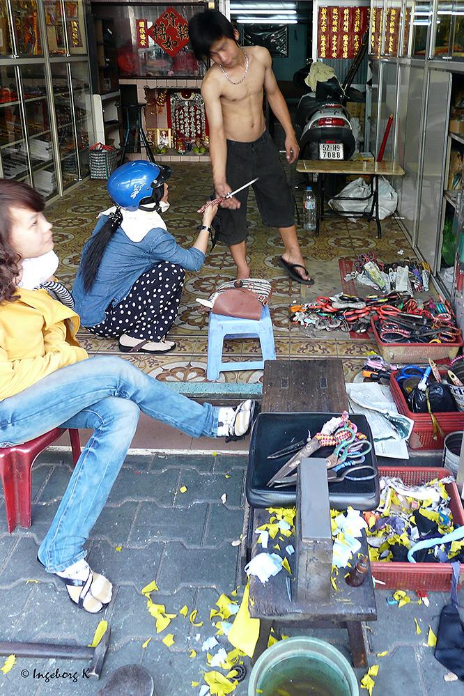 Saigon - Geschäft für Scheren