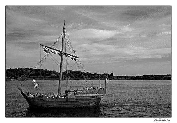 *sailing*