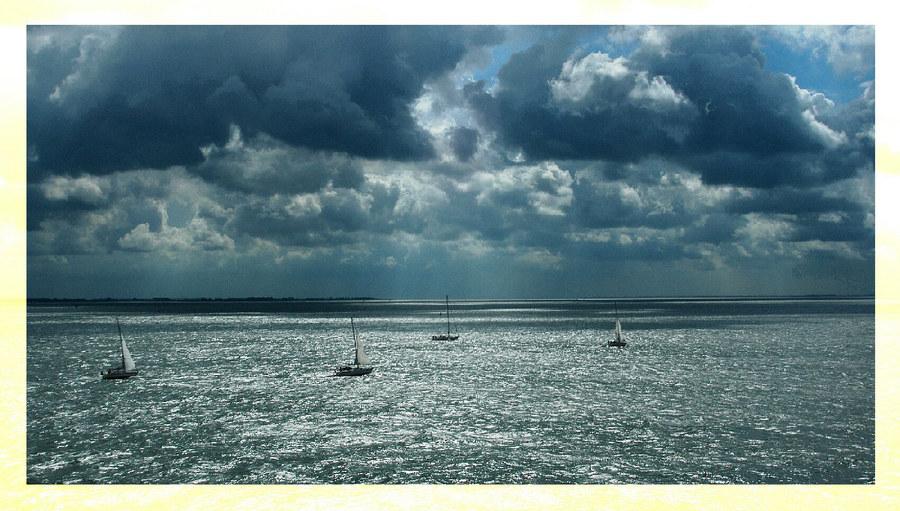 ... sailors' mood ... 2004-08-13