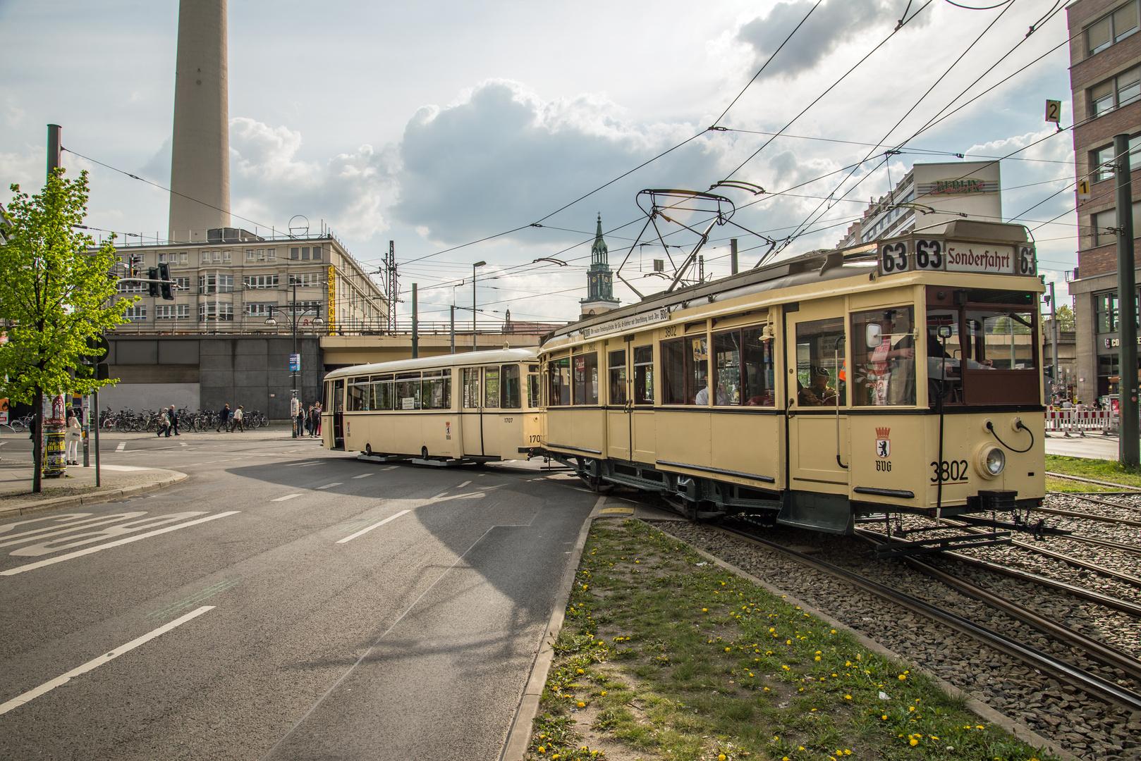 Saisoneröffnung des Denkmalpflegervereins Nahverkehr Berlin mit demTw 3802, Typ TM 34