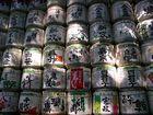Sake-Fässer für den Meji-Schrein