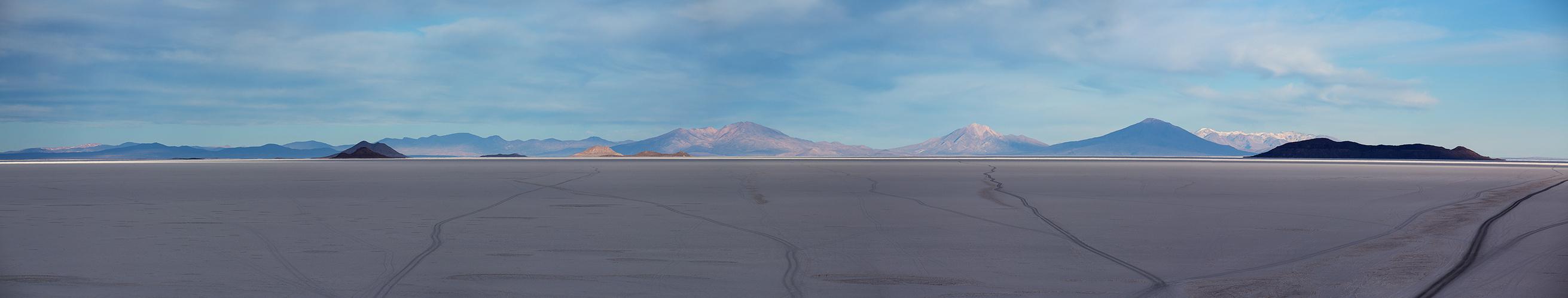 [ … Salar de Uyuni - Spuren im Salz ]