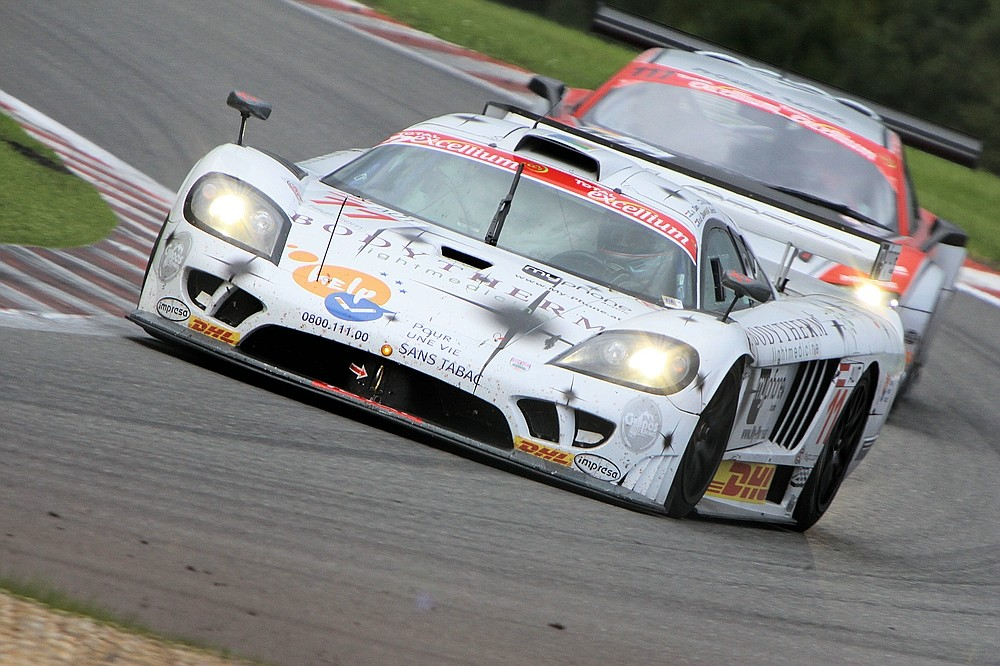 Saleen S7 Twin Turbo gefolgt vom Audi R8 LMS in Les Combes