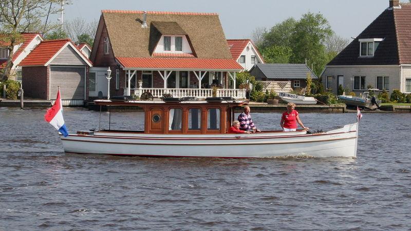 Salonboot Dauphin