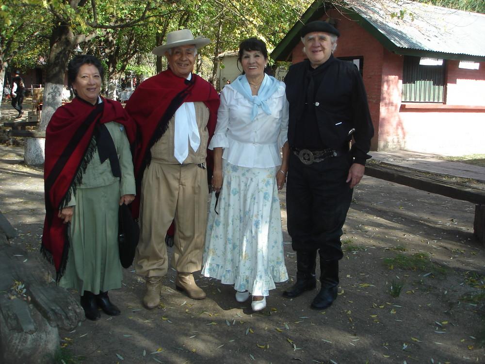 salteños y sureros en El Rodeo Argentina