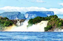 Salto Hacha, Laguna de Canaima en Estado Bolívar, Venezuela.