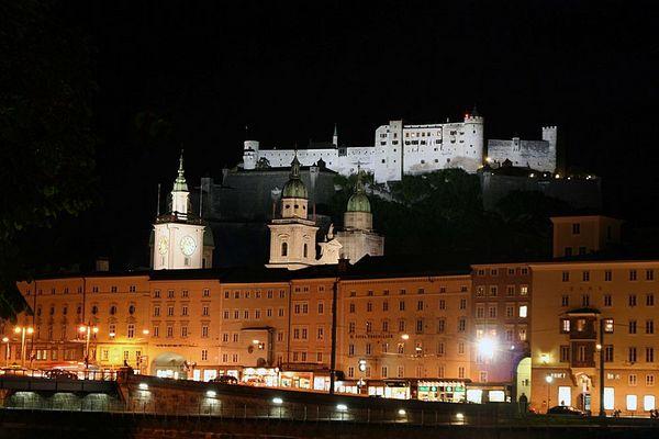 Salzburg bei Nacht II