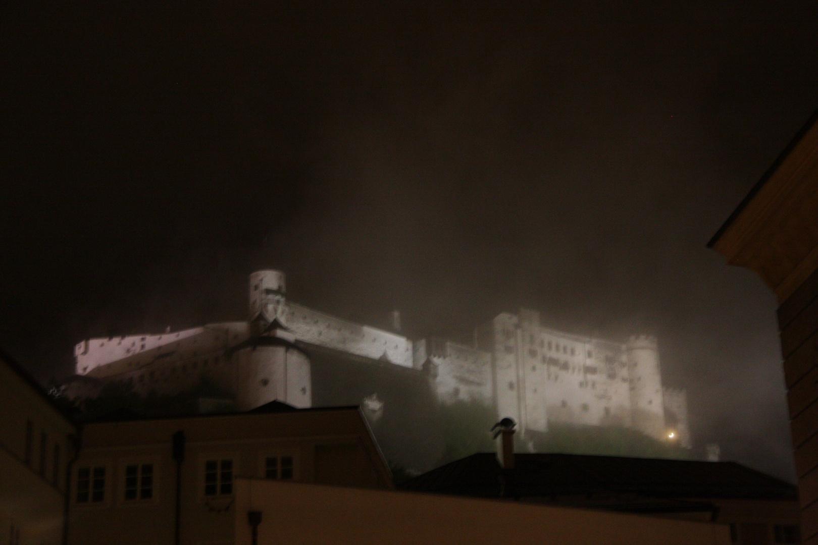 Salzburg bei Nacht und Nebel