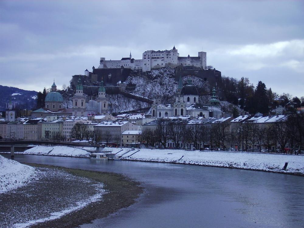 Salzburg mit Pulverhaube