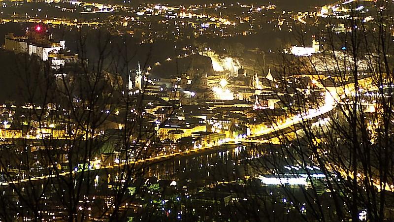 Salzburg vom Gaisberg aus fotografiert - 24.01.2009 - 18:11 Uhr