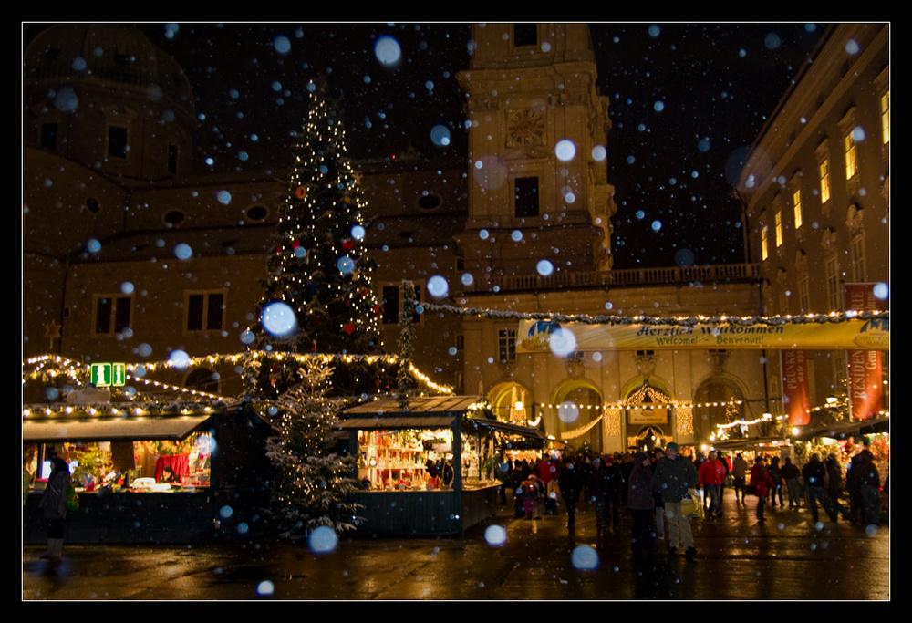 Salzburger Christkindlmarkt mit erstem Schnee