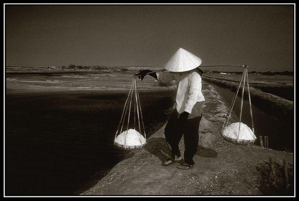 Salzträgerin - Vietnam