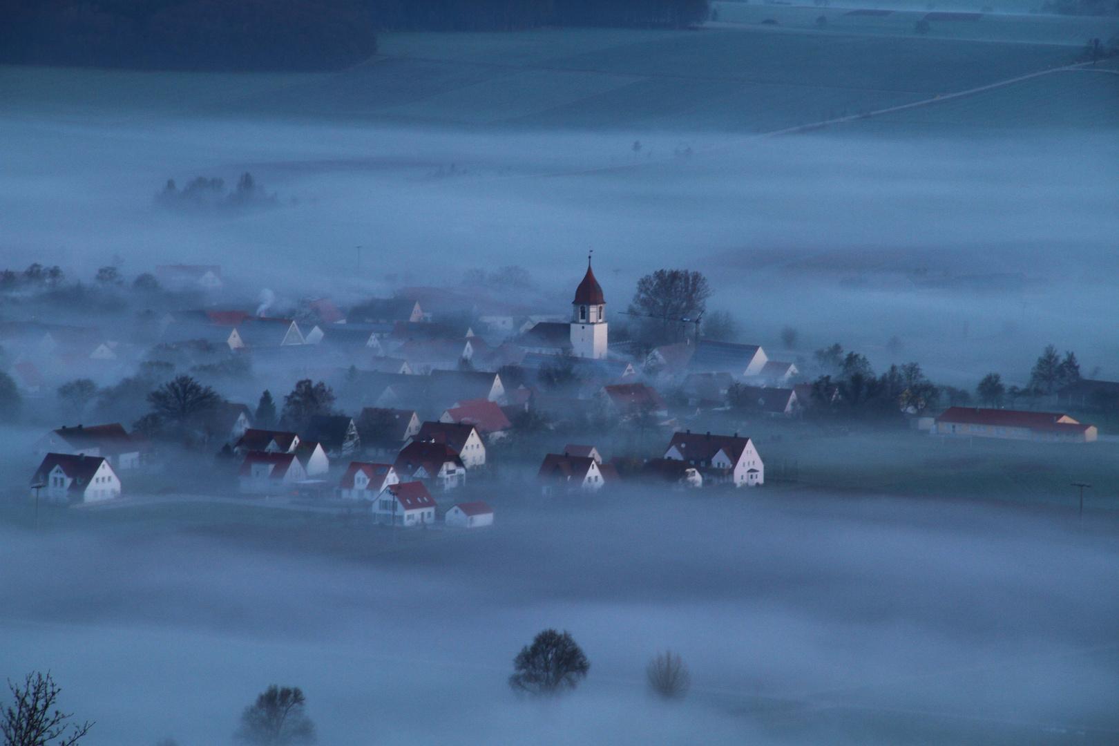 Sammenheim im Nebel
