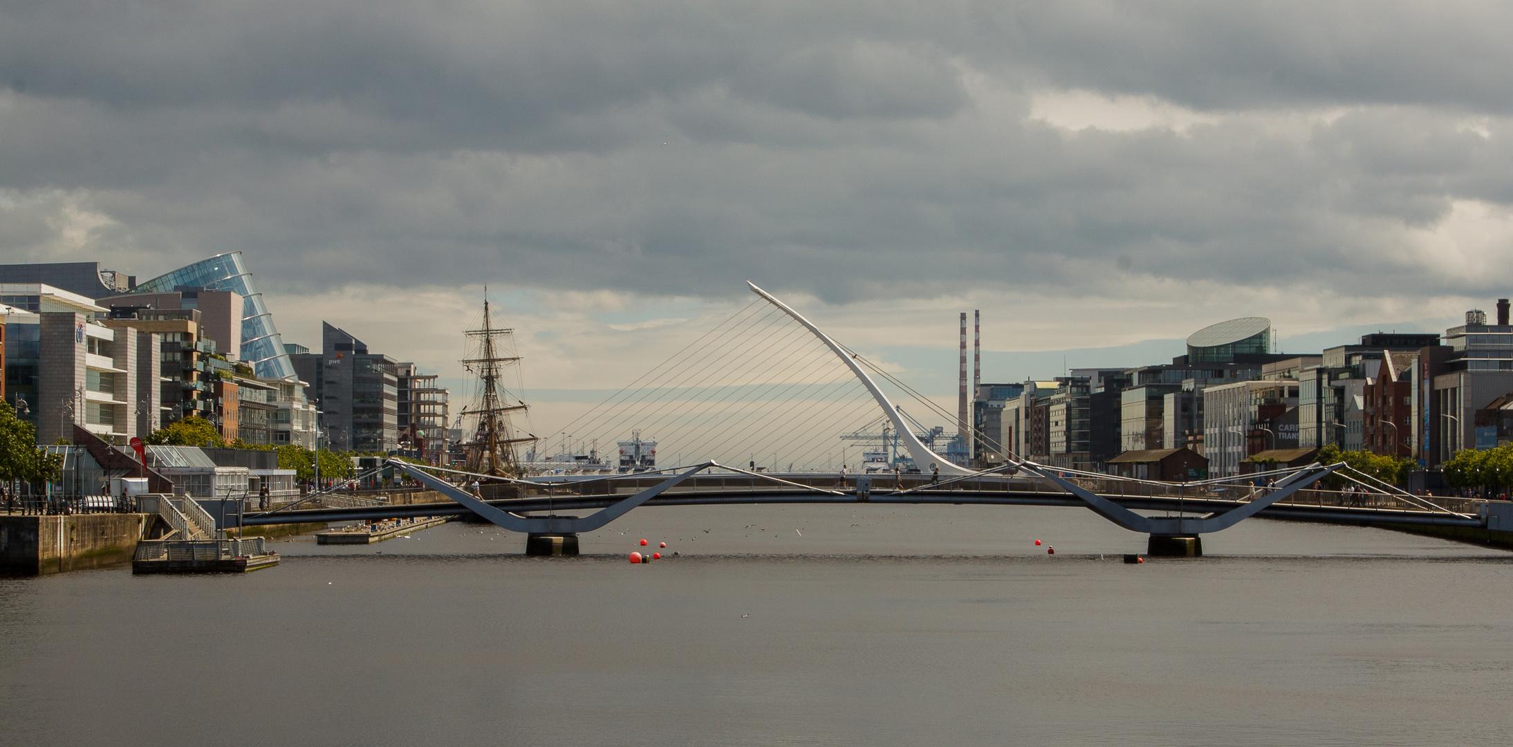 Samuel Beckett Bridge und Sean O'Casey Bridge in Dublin