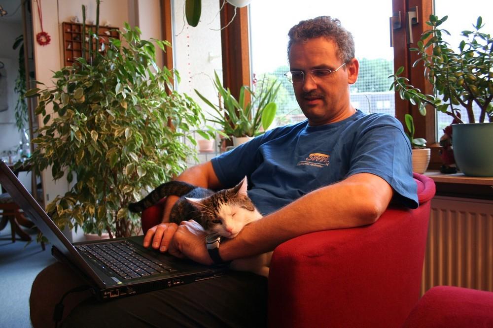 Samy und Heiko im Netz.