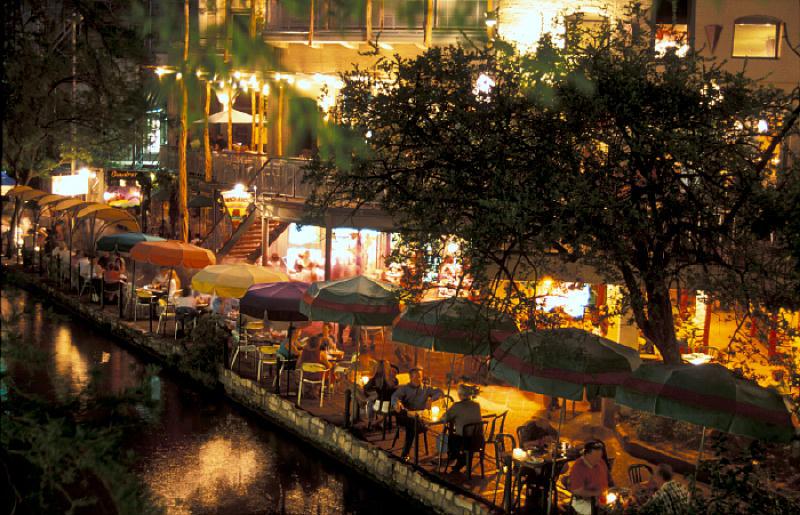 San Antonio, Texas, Riverwalk am Abend
