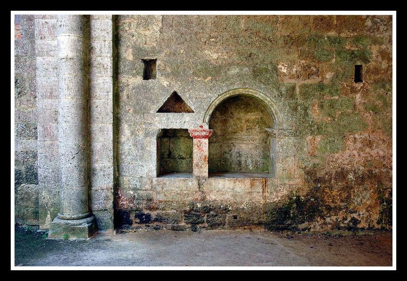 San Galgano - Sakramentsnischen