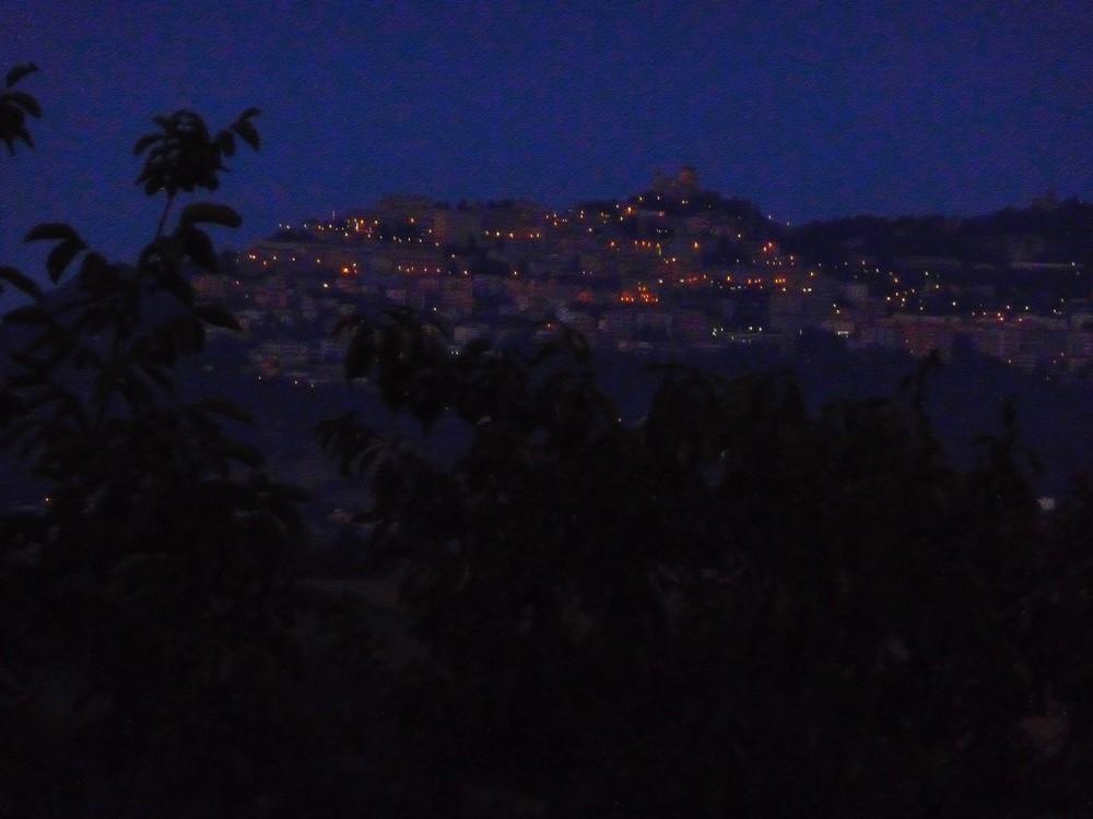 San leo la nuit