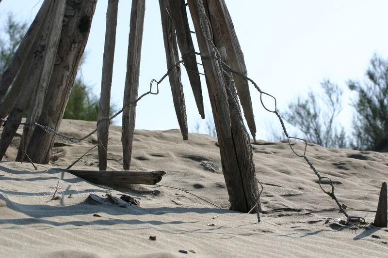 sand... wood.... metal...
