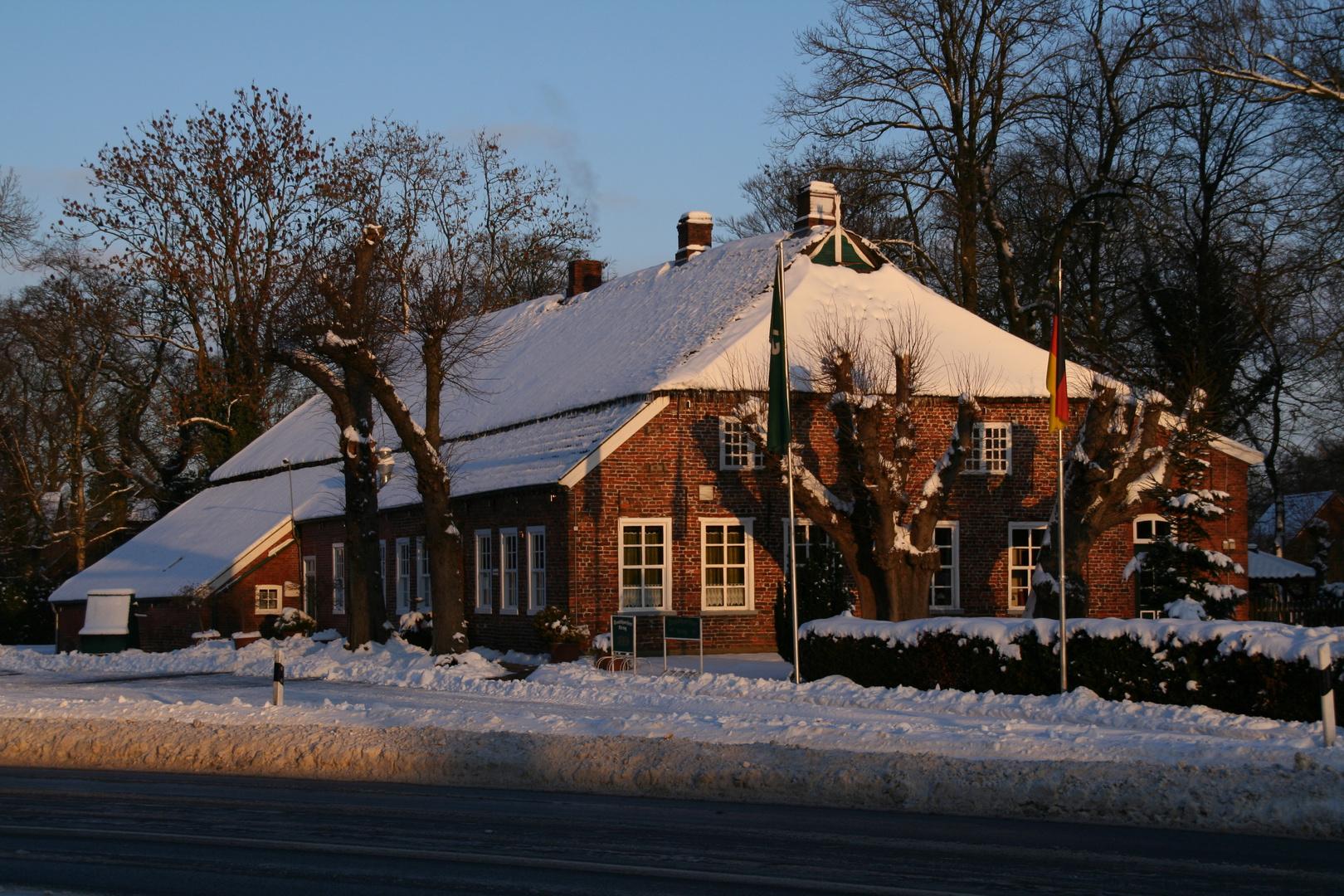 Sandhorster Krug im Schnee