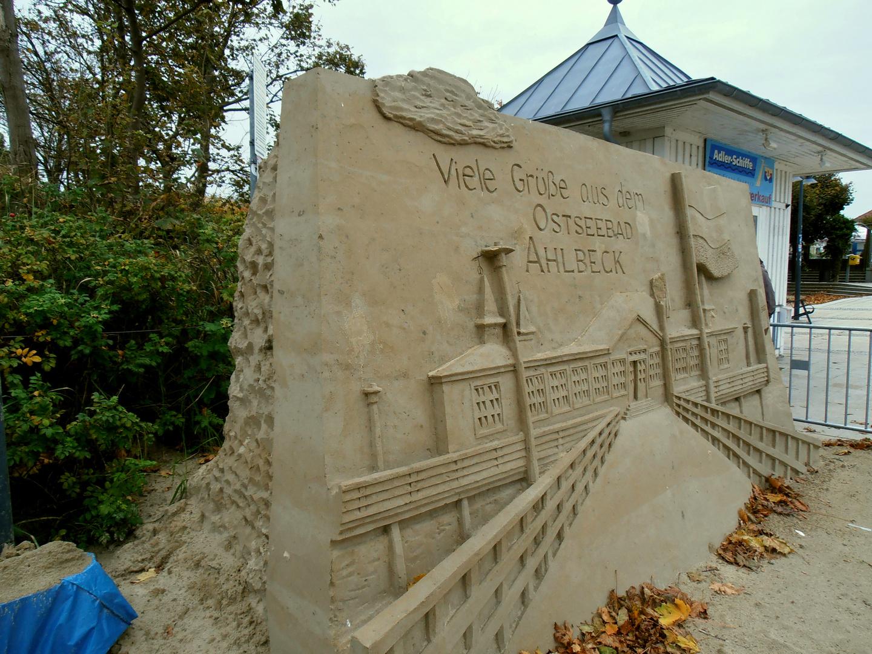 Sandkunstwerk an der Seebrücke in Ahlbeck