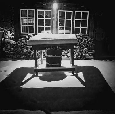 """""""Sandler-Bar"""" in Schnee und Licht"""