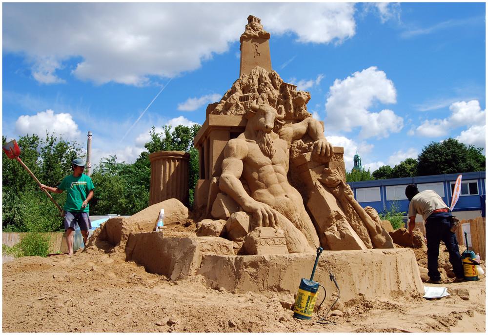 """Sandskulptur  -   """" Irr-Garten """""""