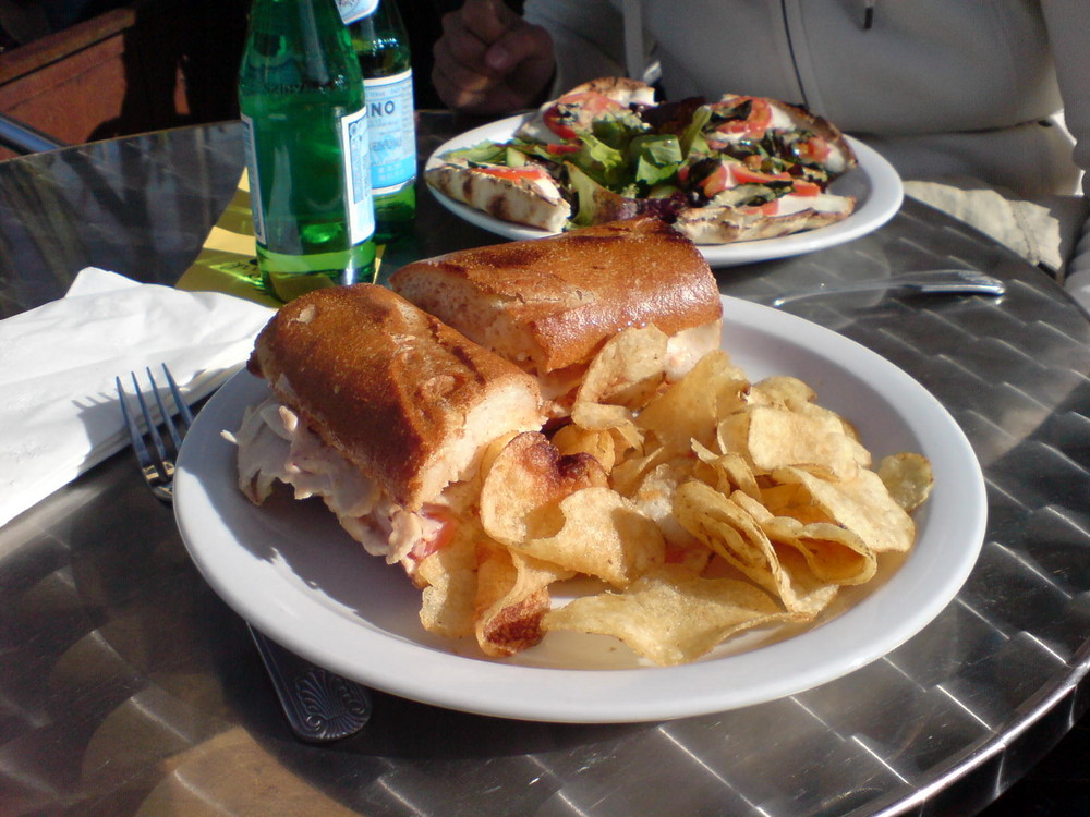 Sandwich im Doloris Parc Cafe, leeeeeecker