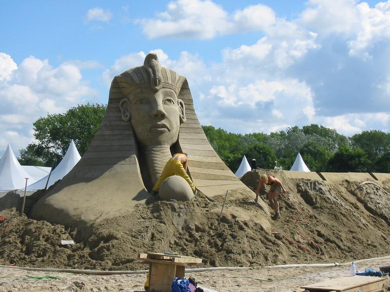 Sandworld 2003 Entstehung des Pharao´s...
