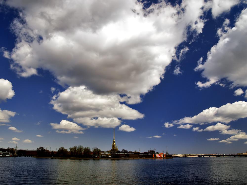 Sankt Petersburg: Blick über die Newa