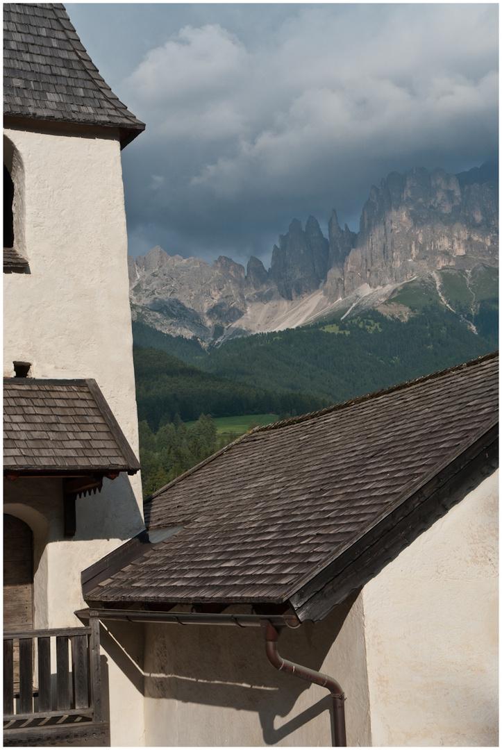 Sankt Zyprian Kirche -Rosengarten Süd Tirol-