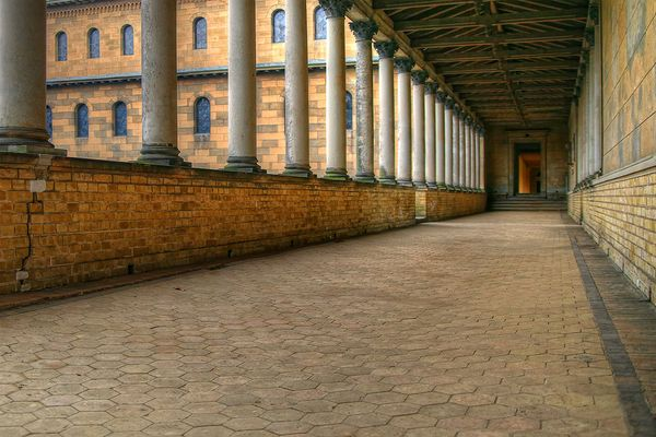 Sanssouci Säulengang1