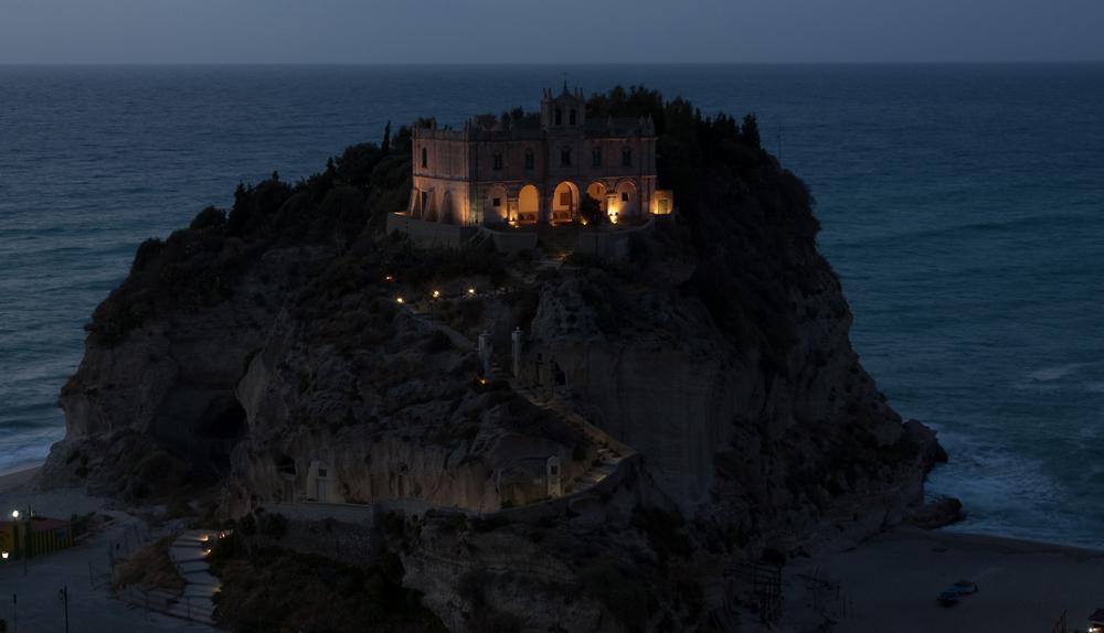 Santa Maria dell Isola (Tropea)