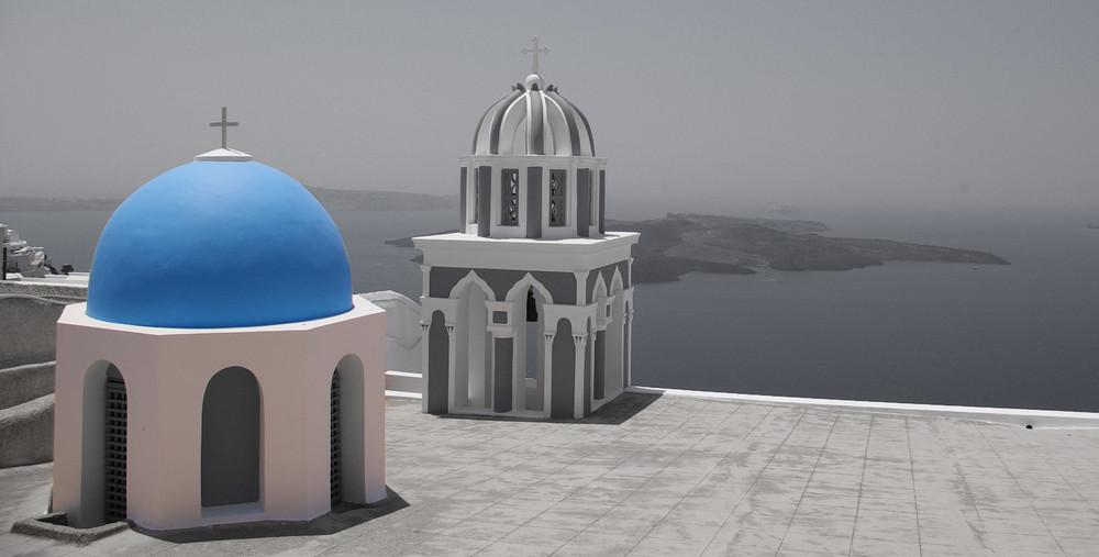 Santorini - Imerovigli ( Farbsättigung verringert)
