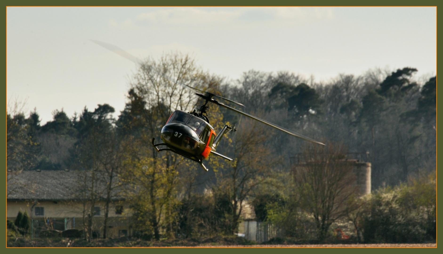 SAR UH-1 im Landeanflug