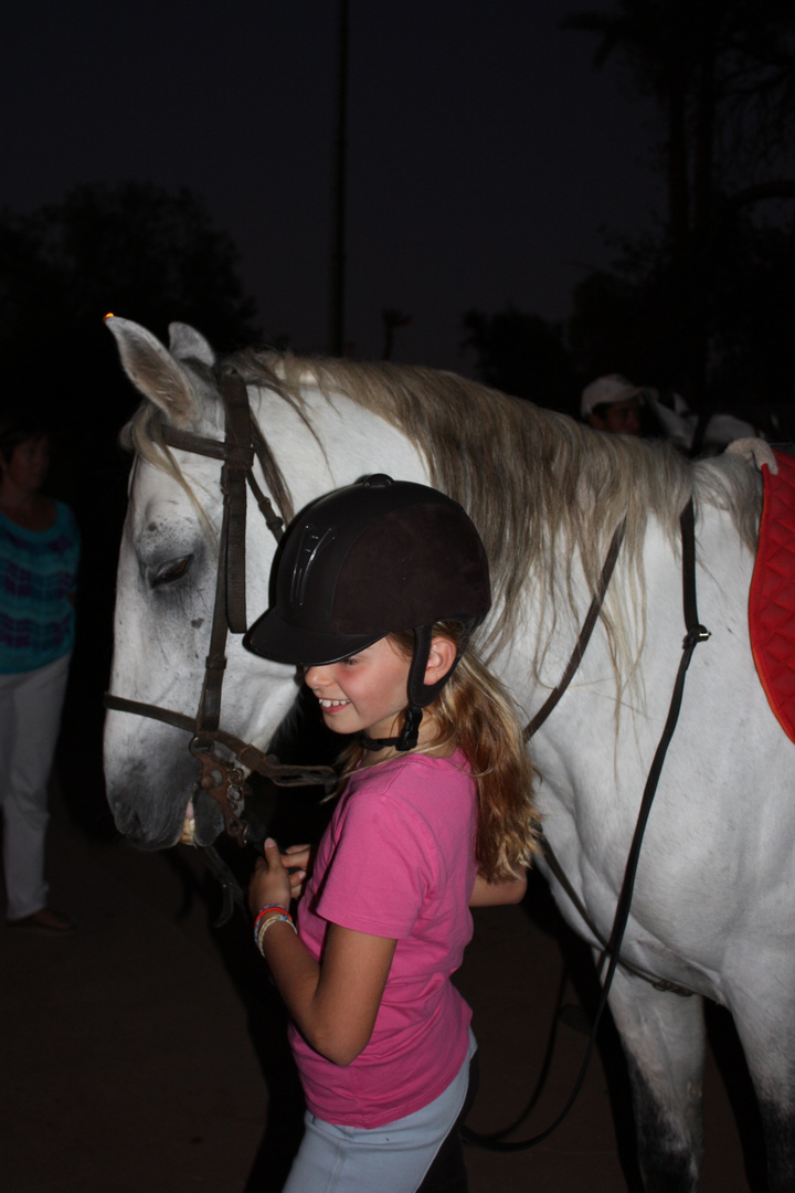 sara au cheval