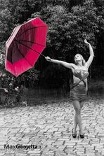 Sara - Singing in the rain