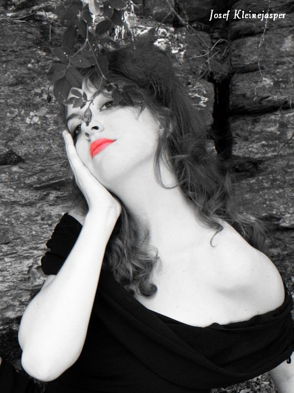 Sarah I 02