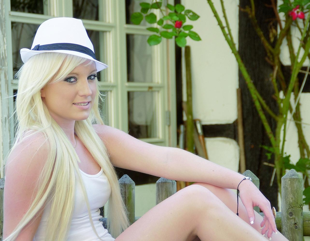 Sarah... mit dem Panamahut