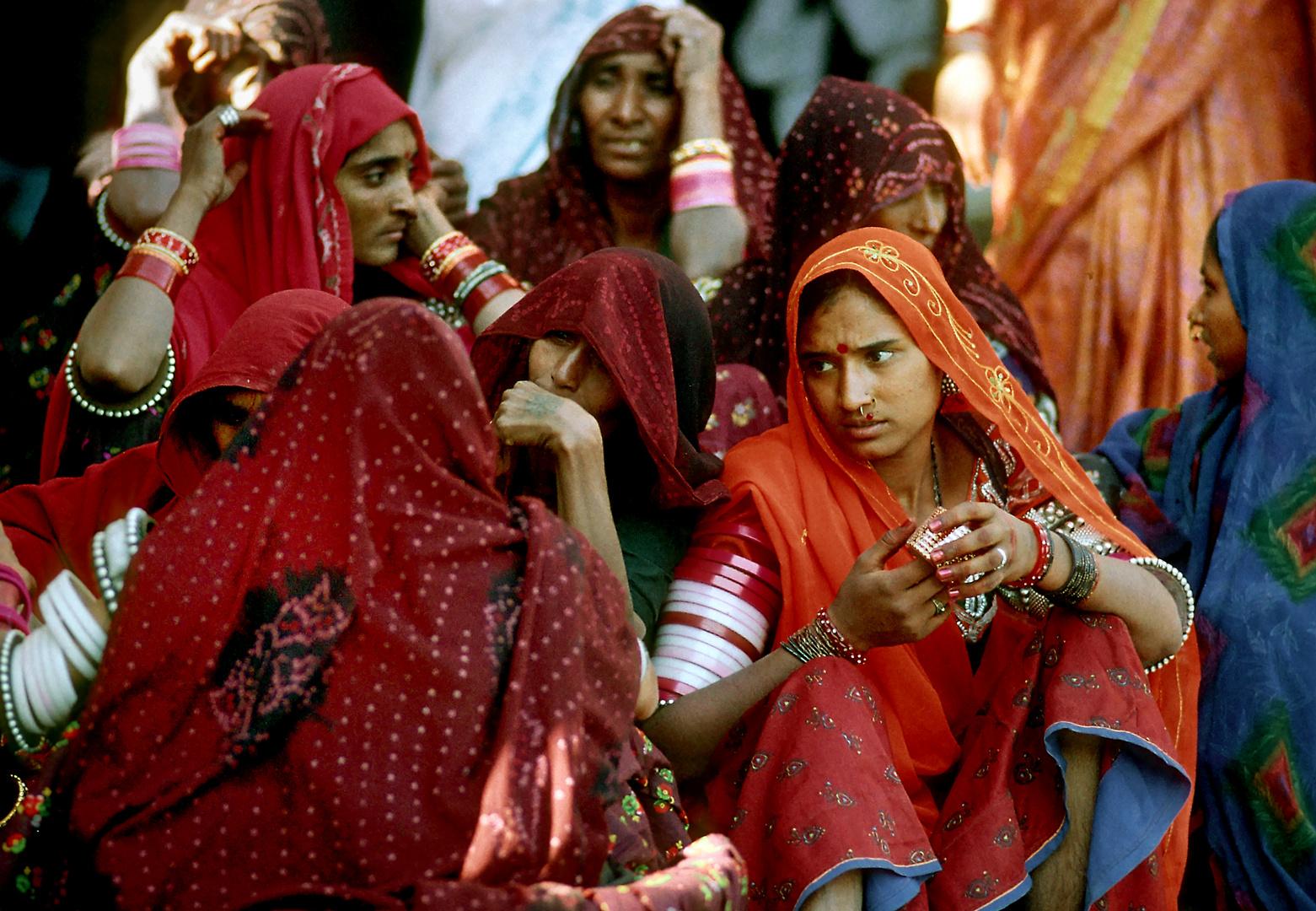 Saris, Edelmetall und Elfenbeinringe