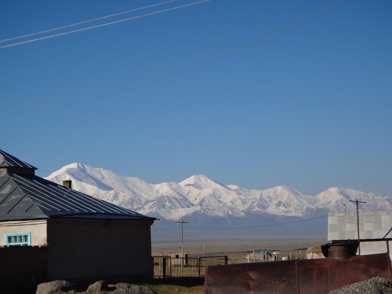 Sary-Tash: Blick auf das Tien Shan Gebirge