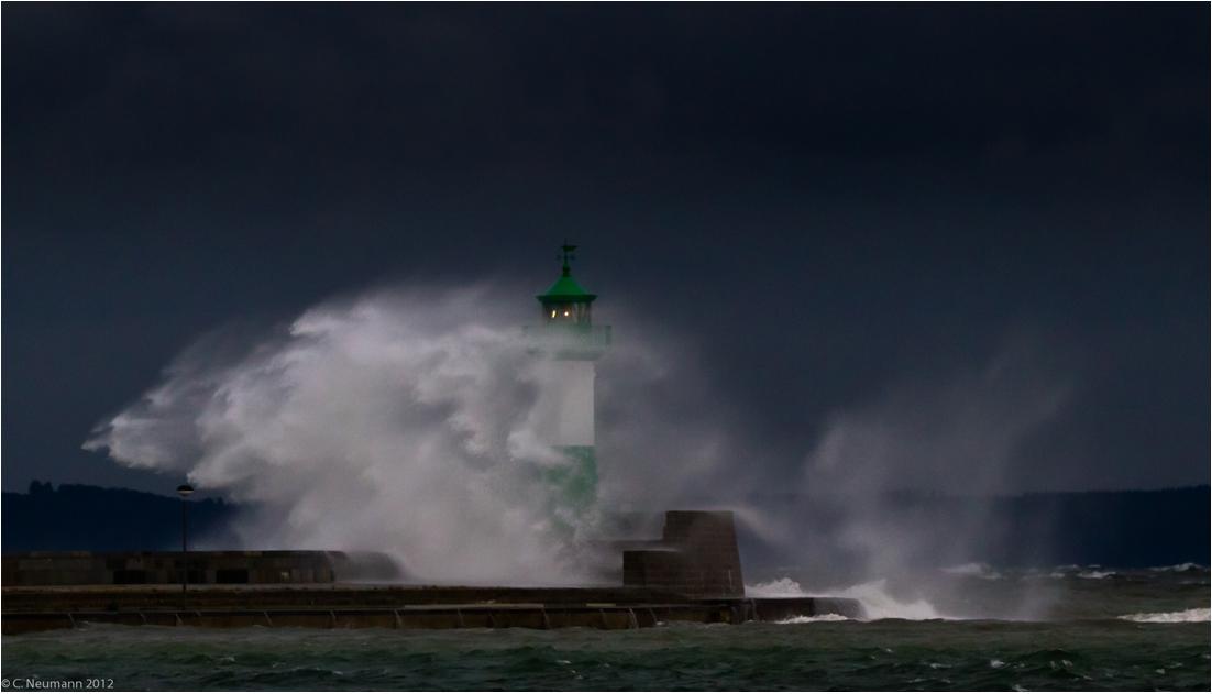 Sassnitzer Leuchtturm im Sturm
