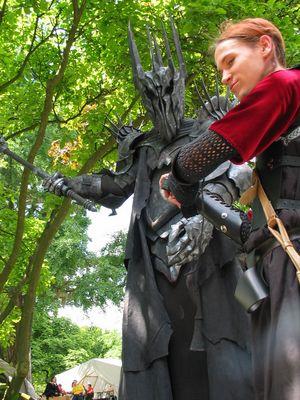Sauron und der Elf