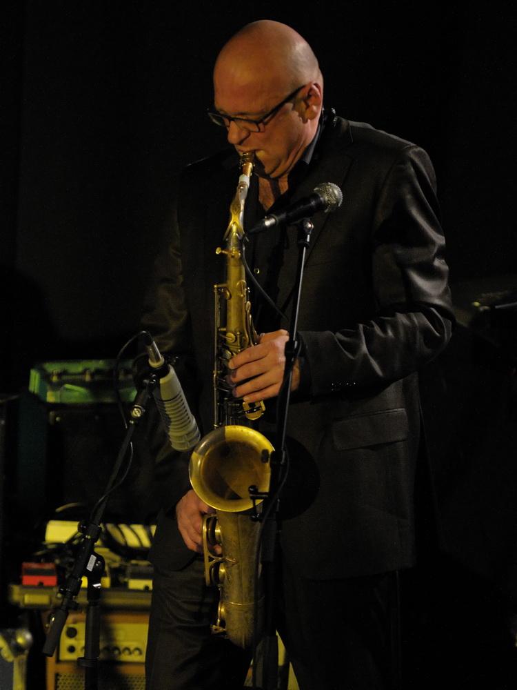 Saxophone und Flöte...