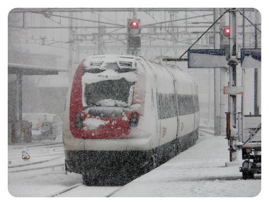 * * * * * SBB ICN im Schnee * * * * *